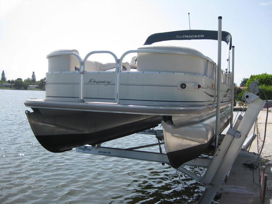 Elevator Boat Lifts|Dock Builders|Seawall Builders|Cocoa Beach|Cocoa|Brevard